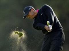 Tiger Woods races two clear of Zach Johnson to lead Northwestern Mutual World Challenge